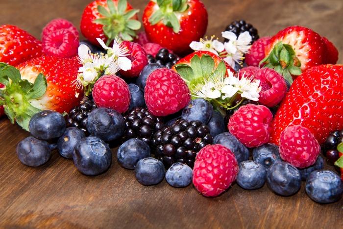 come dimagrire con 10 alimenti sani dietaokit frutti di bosco